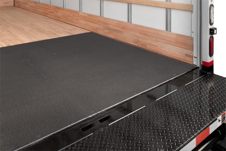 Slip-Resistant Rear Threshold